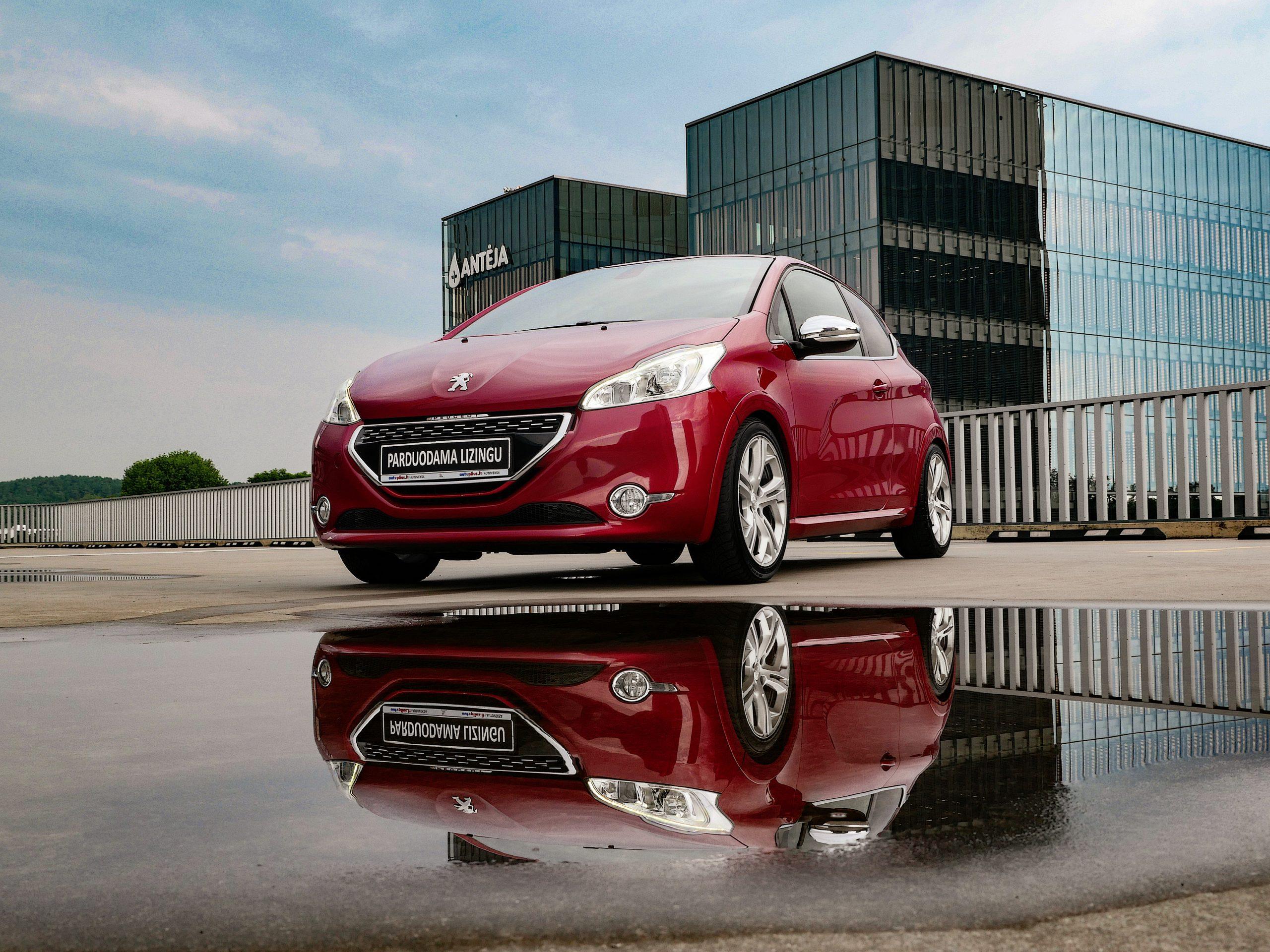 Peugeot 208 Išsimokėtinai nuo 131Eur/Mėn su 3 mėnesių garantija