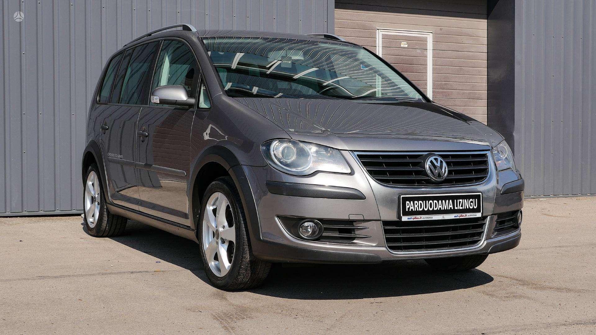 Volkswagen  Cross Touran Išsimokėtinai nuo 111Eur/Mėn su 3 mėnesių garantija
